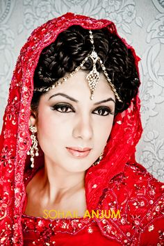 #bridal #bride #indian #pakistani #red #wedding #outfit #bollywood #dulhan Bride Indian, Red Wedding, Pakistani, Fashion Beauty, Bollywood, Crown, Bridal, Outfits, Jewelry