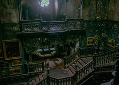 Crimson Peak production designer Thomas E. Sanders talks creating Guillermo del Toro's haunted house (PHOTOS).