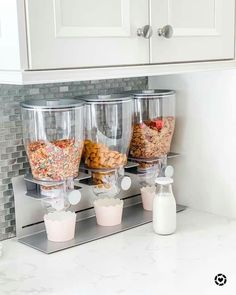 Kitchen Organization Pantry, Home Organisation, Kitchen Pantry Design, Home Decor Kitchen, Cool Kitchen Gadgets, Cool Kitchens, The Home Edit, Dream Home Design, Sweet Home