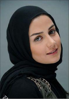 Arab Girls Hijab, Girl Hijab, Muslim Girls, Muslim Women, Niqab, Beautiful Hijab Girl, Arabian Women, Hijab Collection, Persian Girls