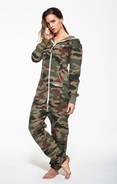 This luxury adult OnePiece® Camouflage Onesie is made from super soft premium cotton and looks great on men and women. Our Camouflage Onesie is a firm favourite and many celebrities have been snapped wearing this sporty onesie jumpsuit.  80% Cotton, 20% Polyester - Fleece lined soft fabric inside - 350gsm quality. Male model's height: 182cm/5'9