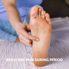 # massage therapy add ons Reducing pain during period Massage Tips, Foot Massage, Massage Therapy, Massage Couples, Partner Massage, Self Massage, Facial Massage, Acupressure Treatment, Acupressure Therapy