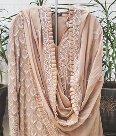 Shop exquisite chikankari & mukaish from Anjul Bhandari at Ogaan Indian Attire, Indian Wear, Indian Outfits, Only Fashion, India Fashion, Classy And Fab, Indie Mode, Chikankari Suits, Classy Suits