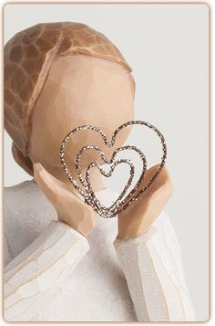 Lots of Love - Ever close to my heart. Shop at the official Willow Tree website, home to Susan Lordi's line of carved hand-painted figurative sculpture. Willow Tree Statues, Willow Figurines, Angel Sculpture, Sculpture Art, Willow Tree Engel, Willow Tree Figuren, Hand Carved, Hand Painted, Willow Creek
