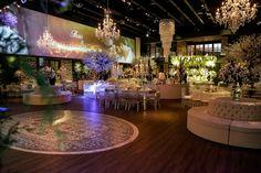Casamento clássico: Thais & Marcos - Inesquecível Casamento Wedding Reception Decorations, Table Decorations, Classic, Home Decor, Classic Wedding Decor, Wedding Things, Weddings, Wedding, Future
