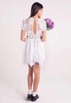 Keyhole detail Lace back Vintage Bridesmaid Dresses, Dress Vintage, Lace Dress, White Dress, All White Party, Lace Back, Festival Outfits, Vintage Fashion, Vintage Style