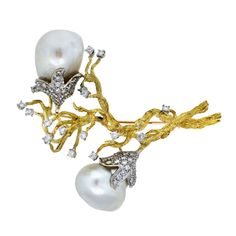 Baroque South Sea Pearl and Diamond Yellow Gold Pin - 18K Gold, Yellow Gold, Diamond, Natural Pearls.