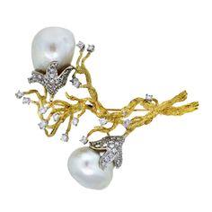 Baroque South Sea Pearl and Diamond Yellow Gold Pin - 18K Gold, Yellow Gold, Diamond, Natural Pearls.