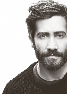 jake gyllenhaal is so much better looking with a beard. Gorgeous Men, Beautiful People, Pretty People, Moustaches, Bearded Men, Sexy Men, Hot Guys, How To Look Better, Hair Cuts