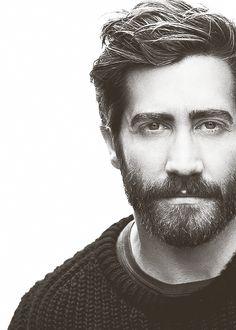 Jake Gyllenhaal. There is just something ridiculously magnetic about him. I melt c o m p l e t e l y.