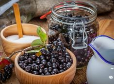 Wanna learn about Aronia berry health benefits? Then keep reading! We've also got three delicious Aronia berry recipes to try at home. Yummy Food, Tasty, Delicious Recipes, Healthy Food, Healthy Eating, Wild Berry Recipe, Aronia Berry Recipes, Benefits Of Berries, Berry Juice