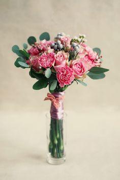 """Нежный букет с розовыми цветами (розы, гвоздики, альстромерия) и душистым эвкалиптом. Букет """"Солнечная Валенсия"""". тел для заказа: 0836372414"""