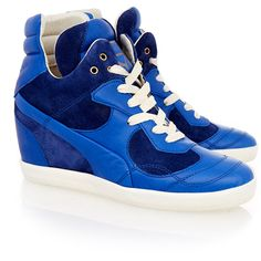 Alexander McQueen x Puma Blue Ofeya Leather Sneakers (3,255 MXN) ❤ liked on Polyvore featuring shoes, sneakers, blue, blue sneakers, puma trainers, puma sneakers, leather trainers and puma shoes