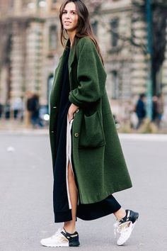 1. Could I Have That 2. Collage Vintage 3. Oracle Fox If you're looking to break out of your black or camel coat and jacket rut, I highly recommend giving green a try. These 15 stylish women show ju