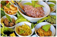 Voici le Rice and Curry Sri Lankais, plat typique que vous pourrez déguster dans la rue et dans les restaurants.  #tanirikka #voyage #srilanka #Colombo #Galle #Mirissa #Udawalawe #Ella #NuwaraEliya #Kandy #Dambulla #Negombo