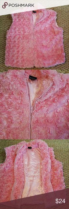 Faux Fur pink Vest Faux Fur pink Vest Size small Cejion Sweaters