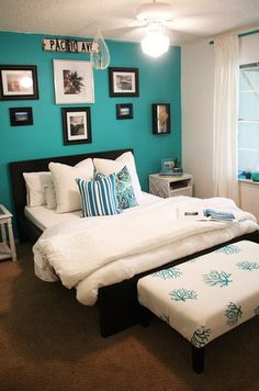 Turquoise Room Ideas - Turquoise it could be strong as well as solid, it's likewise calming as well as relaxing.Here are of the most effective turquoise room interior design ideas. Turquoise Accent Walls, Turquoise Walls, Bedroom Turquoise, Coral Bedroom, Teal Walls, Retreat House, Bedroom Paint Colors, Wall Colors, My New Room
