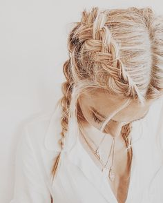 Upraised french braids with long hair with blonde. Messy Hairstyles, Pretty Hairstyles, Princess Hairstyles, Updo Hairstyle, African Hairstyles, Inspo Cheveux, Curly Hair Styles, Natural Hair Styles, Hair Doo