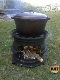 Great fire pit for camping or backyard. For Dutch oven. How To Make Bbq, Outdoor Projects, Outdoor Decor, Craft Projects, Outdoor Stove, Outdoor Fire, Rims For Cars, Car Rims, Truck Rims
