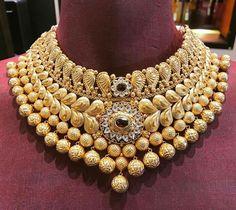 Black And Gold Jewelry Info: 3302327500 Indian Wedding Jewelry, Bridal Jewelry, Bridal Necklace, Necklace Set, Pearl Necklace, Gold Jewellery Design, Gold Jewelry, Jewelery, Egypt