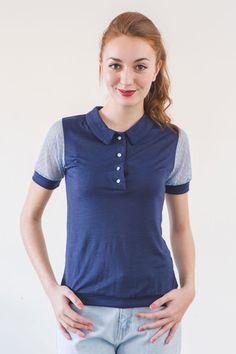 Polo azul con mangas en plumeti Chloe A Martinez, Chloe, Knitwear, Short Sleeves, Knitting, Trending Outfits, Mens Tops, Training, Shirts