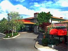Medford (OR) Rogue Regency Inn & Suites United States, North America Rogue Regency Inn & Suites is conveniently located in the popular East Medford area. The hotel offers a high standard of service and amenities to suit the individual needs of all travelers. Service-minded staff will welcome and guide you at the Rogue Regency Inn & Suites. All rooms are designed and decorated to make guests feel right at home, and some rooms come with whirlpool bathtub, air conditioning, heati...