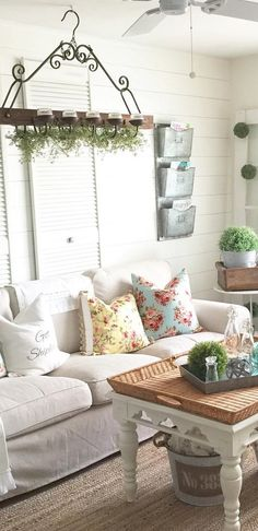 Farmhouse Decorating Ideas   Design U0026 Decor