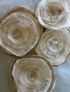 DIY~ Fabric flowers, burlap and muslin : via Etsy Burlap Flowers, Felt Flowers, Diy Flowers, Fabric Flowers, Paper Flowers, Fabric Scraps, Burlap Fabric, Sewing Crafts, Burlap Crafts