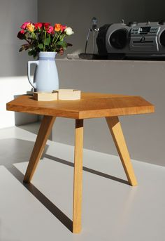 Coffee Table Solid wood by Romy Kühne Design - Trend Award Design 2019 Solid Wood Coffee Table, Decoration Piece, Coffee Design, Small Furniture, Interior And Exterior, Design Trends, Home Decor, Products, Decoration Home