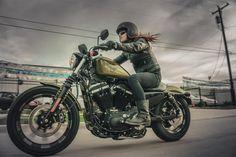 Harley-Davidson heeft in Las Vegas de line up voor 2016 gepresenteerd. Twee nieuwe Dark Custom-modellen, de meest krachtige cruiser-line-up in de geschiedenis van het merk en een heel scala van performance- en styling-upgrades over de complete serie. Dit zijn de belangrijkste hoogtepunten van de ...