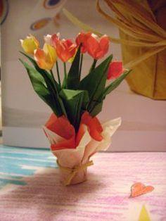 bouquet de tulipe en origami. full photo tutorial from mon monde lilliputien