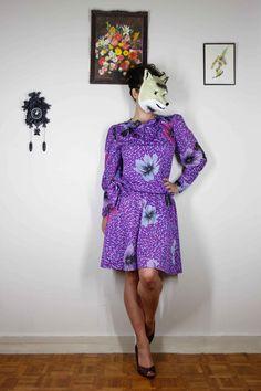 Robe Vintage Retro 1970's Violette à Fleurs par ManonLauraVintage, €30.00