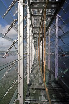 glass facade detail of the Kraanspoor in A'dam by OTH
