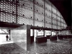 Vista interior del Aeropuerto Terminal de Acapulco, Acapulco, Guerrero, México 1955 Arqs. Mario Pani y Enrique del Moral Foto. Guillermo Zamora - Interior view of the Acapulco airport terminal, Acapulco, Guerrero, Mexico 1955