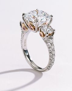 I don't normally pin wedding things considering I have no boyfriend...but this ring is gorgeous!!