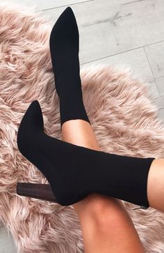 Women Heels Aesthetic Womens Trainers Shoes Kitten Heels The Shoe – oleanderrlily Pretty Shoes, Cute Shoes, Me Too Shoes, Black Heels, Black Boots, High Heels, Heeled Boots, Shoe Boots, Shoes Heels