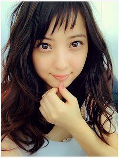 若々しい透明感!武井咲に学ぶアシメヘア☆参考にしたいロングヘアのアシンメトリーアイデア♡