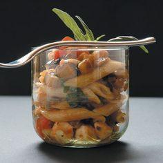 Penne alle melanzane pomodoro e mozzarella #CookingPassion #ricetteprimi #ricette