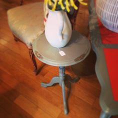 Chalk painted vintage side table using Shabby Paints Licorice and the Hazelnut Vax #DIYUniversities #OutOfTheWoodwork check out the page for vintage upcycle on FB Out of the Wood Work!