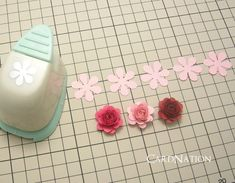 CardNation~手作りカードで繋ぐ「心」-クラフトパンチで作るバラ Flower Crafts, Paper Flowers Craft, Diy Flowers, Flower Art, Paper Crafts, Handmade Birthday Cards, Paper Punch, Handmade Flowers, Paper Quilling