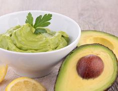 Pasta de avocado cu castraveti si ceapa Avocado, Vegan Recipes, Vegan Food, Guacamole, Carne, Ethnic Recipes, Fat, Foods, Google Search