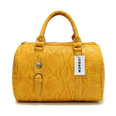 Many Types Of Women's Handbags. For many ladies, getting a genuine designer bag is not something to hurry into. Since these hand bags can be so expensive, ladies usually worry over their decisions prior to making an actual handbag acquisition. Coach Outlet Store, Coach Bags Outlet, Cheap Coach Bags, Coach Purses, Coach Handbags, Discount Coach Bags, Handbags Online, Luggage Bags, Coach Luggage
