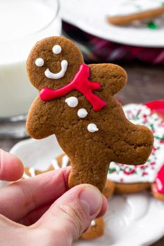 Gingerbreads: These soft gingerbread cookies are a must for the holidays. They're perfectly spiced with soft centers and the perfect gingerbread taste. The best gingerbread men I've ever tried! Soft Gingerbread Cookies, Christmas Sugar Cookies, Gingerbread Men, Christmas Baking, Buttercream Icing, Shortbread Cookies, Cookie Recipes, Food To Make, Holidays
