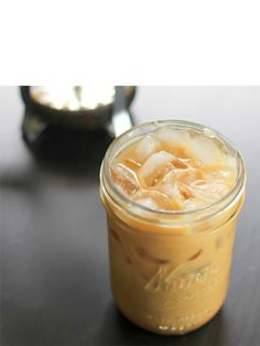 Who says Starbucks has to get all your business? Cool down and caffeine up with these delicious iced coffee drinks that you can make at home!