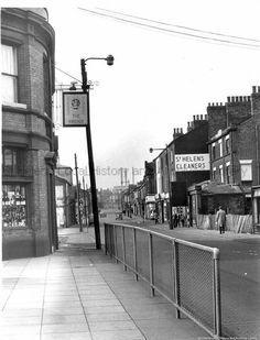 This Is Freda Whalleys Shop on the right The moulding over the shop window matches No 24 Liverpool Road