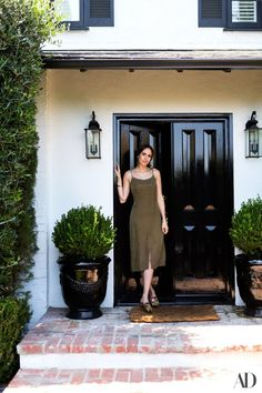Inside Louise Roe Hollywood Hills Home | #hollywood #llouiseroe #celebrityhomes  #hollywoodcelebrityhomes #celebritynews | See also: http://www.celebrityhomes.eu/celebrity-homes/celebrity-homes-inside-louise-roe-hollywood-hills-home/