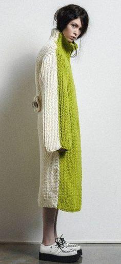 New Ideas For Crochet Cardigan Chunky Style Cardigan Au Crochet, Knit Dress, Knit Crochet, Knitwear Fashion, Knit Fashion, Tricot D'art, Knit Art, Big Knits, Knitting Designs