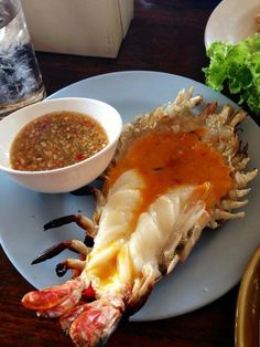 Fresh river prawns - simply mouth watering - taste better than it looks! Thai Recipes, Fish Recipes, Seafood Recipes, Asian Recipes, Seafood Dip, Eat Thai, Cambodian Food, Laos Food, Thai Cooking