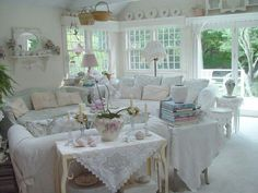 Brocante in whites!
