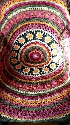Ravelry: hupsis' Mökkipeitto - Crochet Mandala  -Free Pattern                                                                                                                                                      More